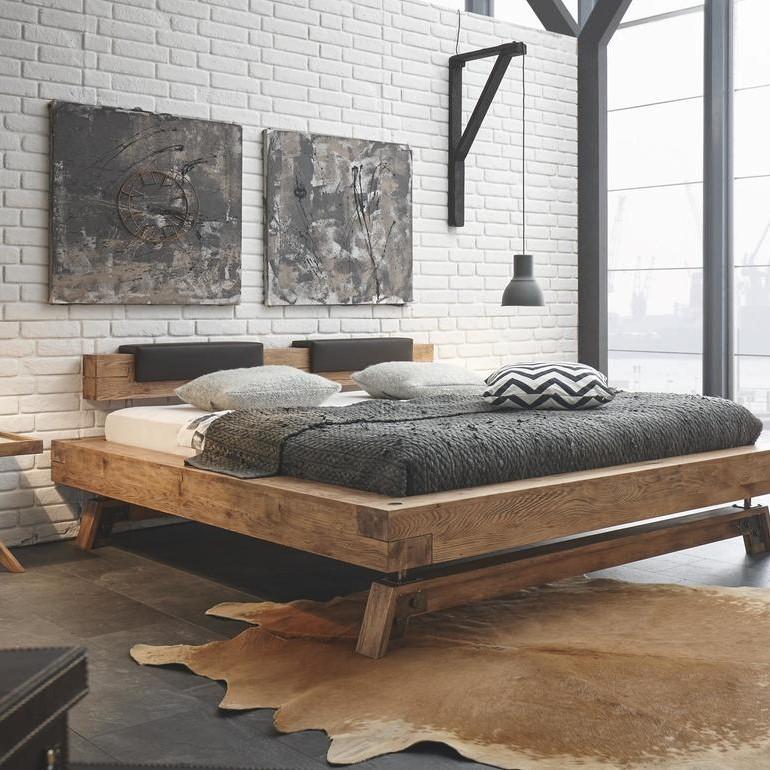 Bettrahmen und Bettgestell aus Holz