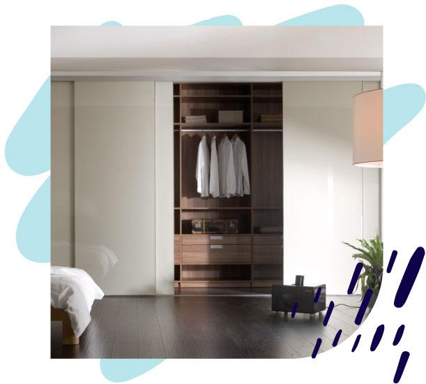 Schlafzimmer Kleiderschrank mit Schiebetüren