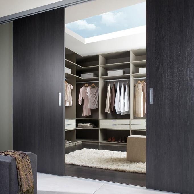 Schlafmöbel, Kleiderschrank und Schranksystem