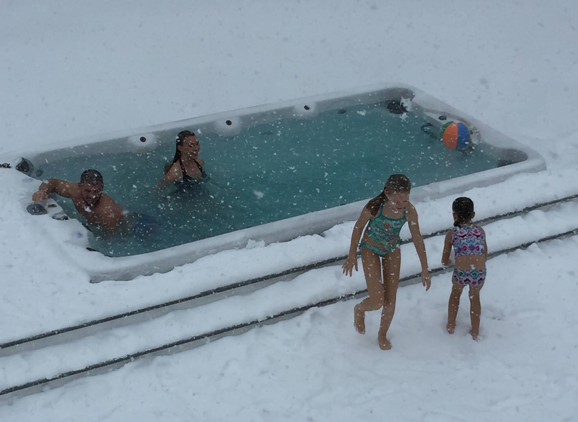 Whirlpool im Winter
